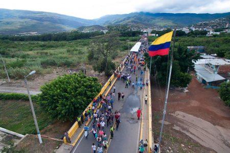 【心の一部はコロンビアに】ベネズエラの混乱に関するニュースを見て、ひどく同情してしまい、気持ちが暗くなった