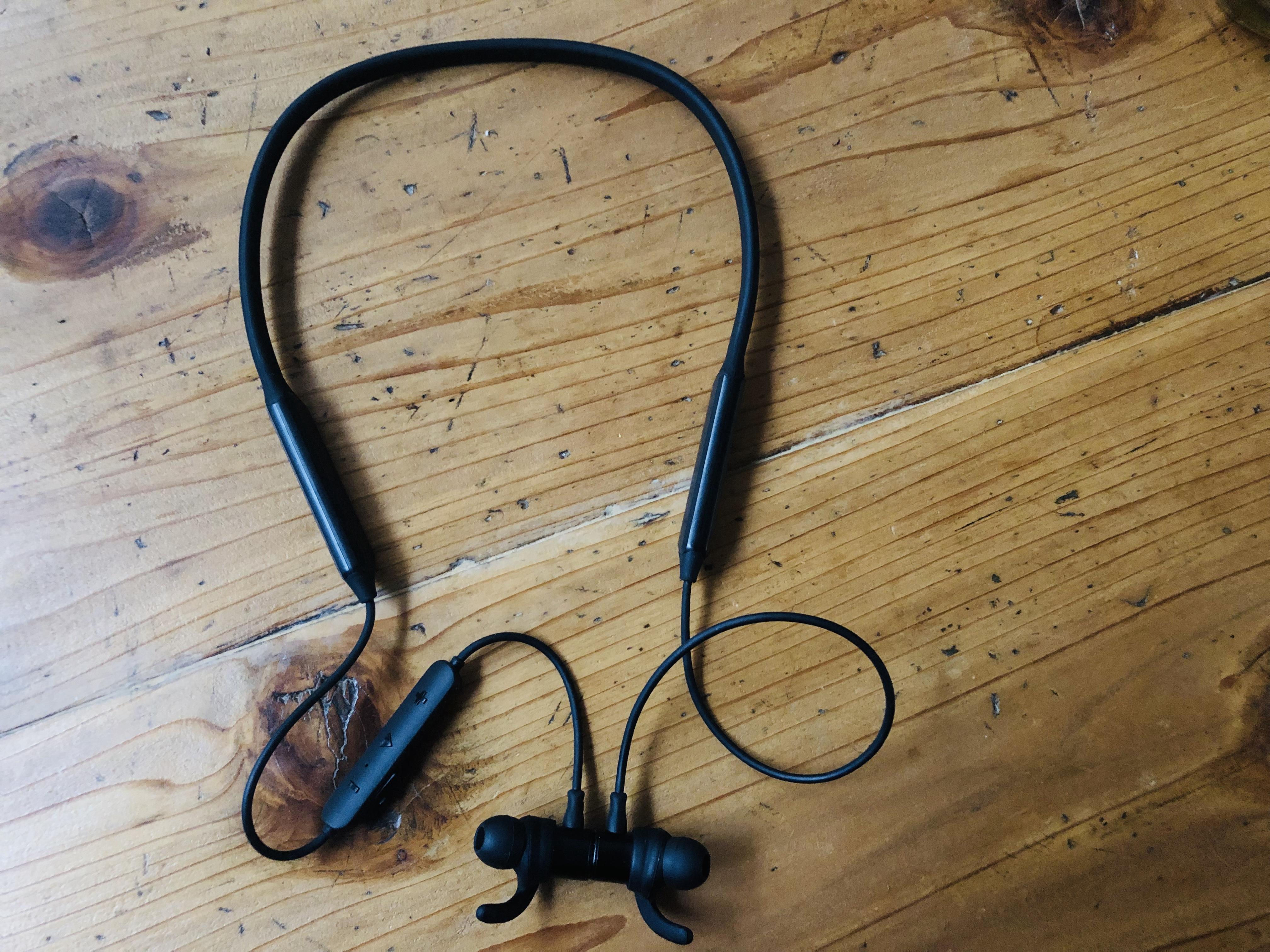 【快適だからおすすめ】帰国後1年で最も驚いた技術は、bluetoothのワイヤレス型イヤホン