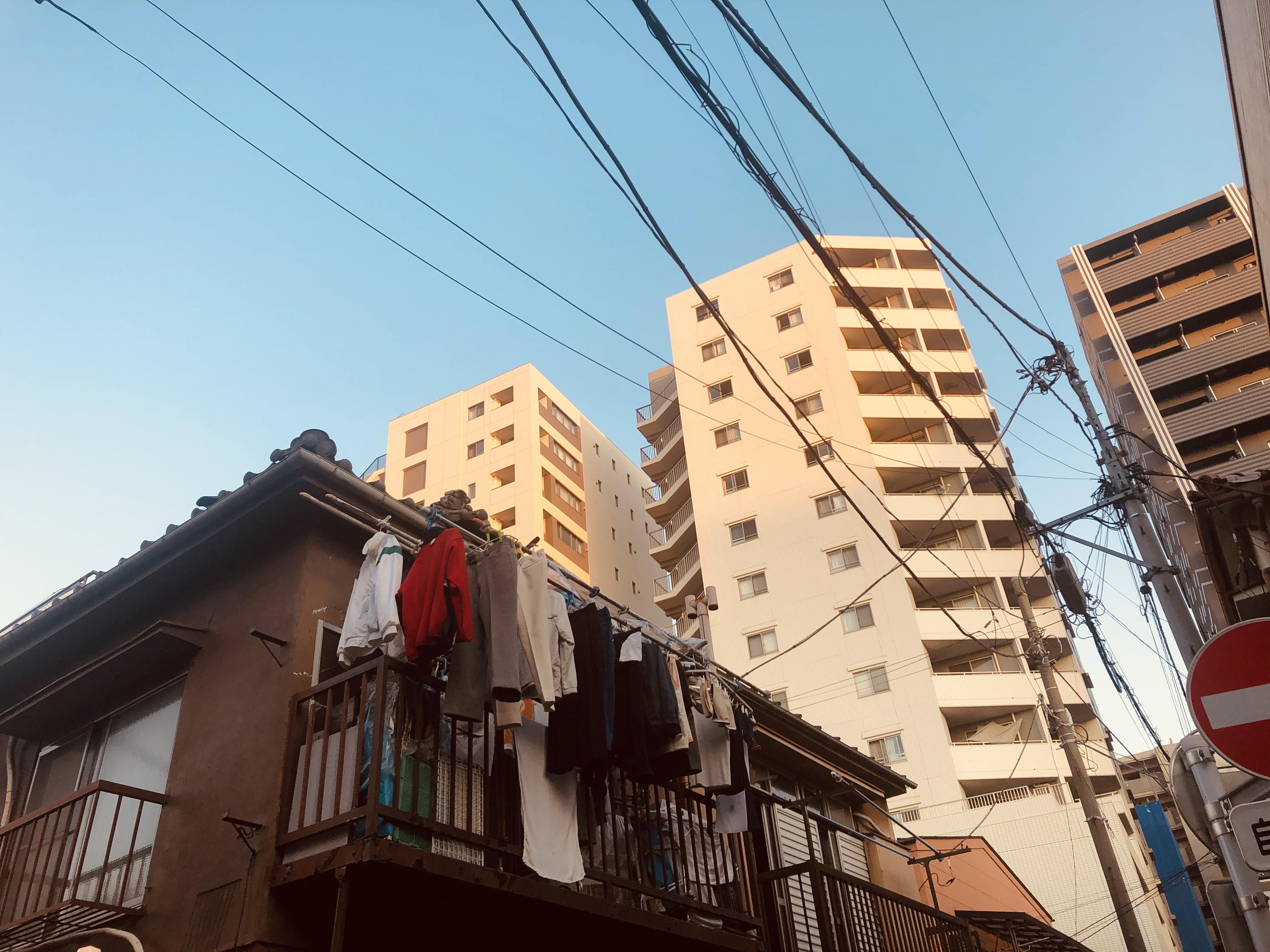 日本に完全に再順応した証:満員電車でお尻ポケットの財布にまったく注意を払わなくなった